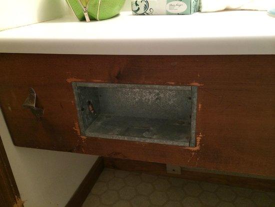 Kentville on the Ocean : Bathroom