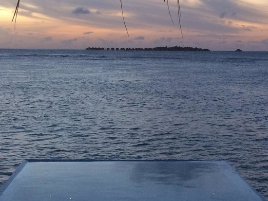 Velassaru Maldives: Evening