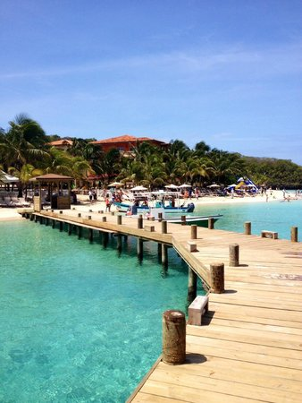 Henry Morgan Resort : sur la plage