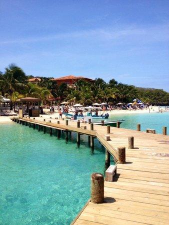 Henry Morgan Resort: sur la plage