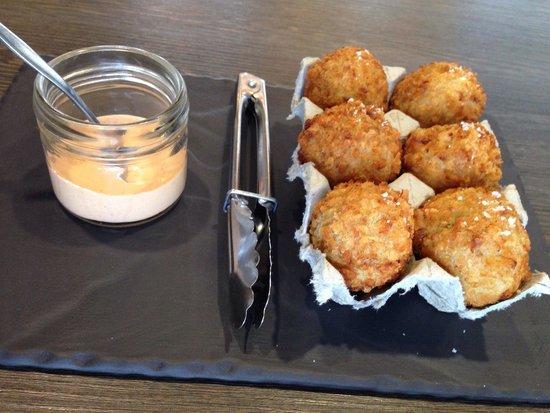 Emerson's Cafe & Restaurant: Pork in egg box :-)