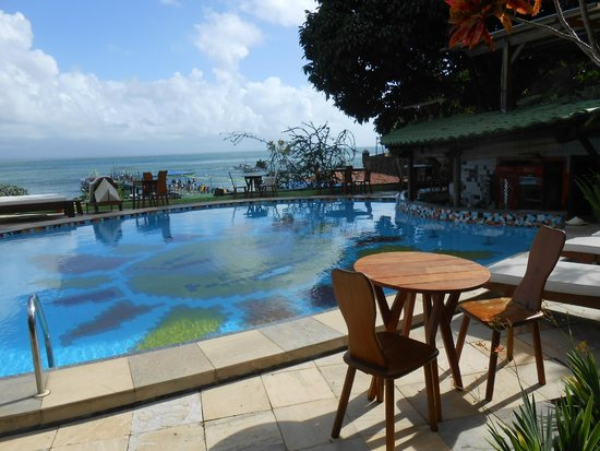 Hotel Portalo: vista da piscina