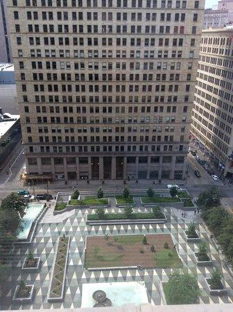 Omni William Penn Hotel: Overlooking the park