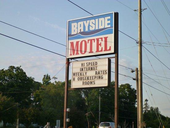 Bayside Motel: motel sign (keep your eyes peeled!)