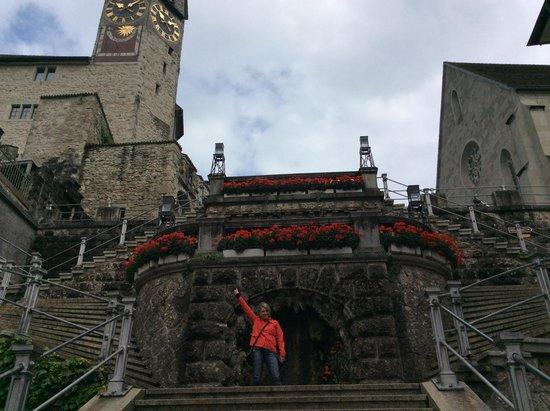 Schloss Rapperswil: subida para igreja