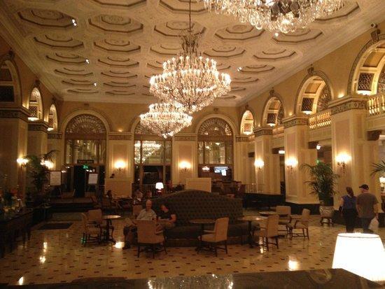 Omni William Penn Hotel: Lobby ceiling