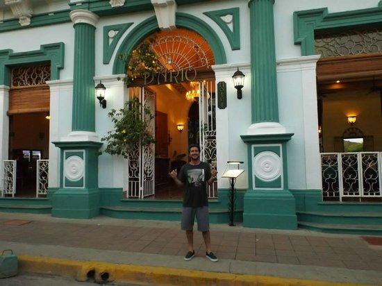 Hotel Dario: entrada del hotel