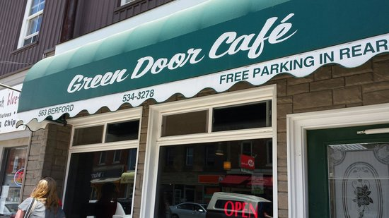 Green Door Cafe : Outside