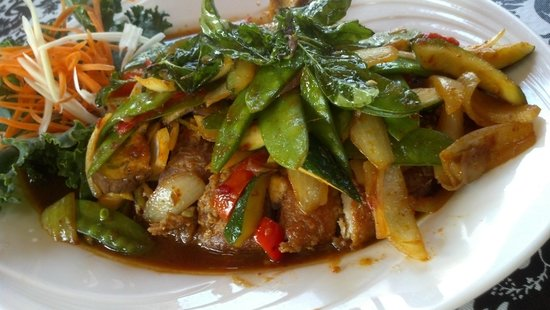 Thai Tida Restaurant : crispy duck basil stir fry