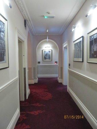 The Grosvenor Hotel: Hallway