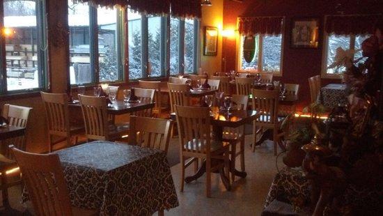 Thai Tida Restaurant: inside