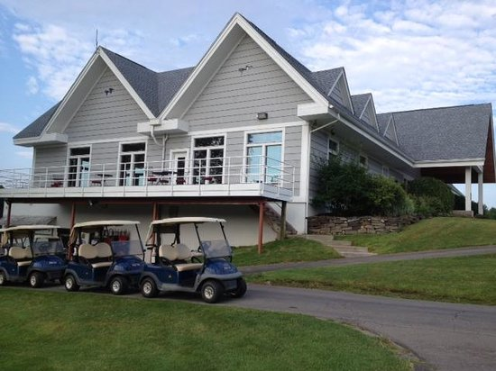 Macedon, NY: Blue Heron Hills - Clubhouse building