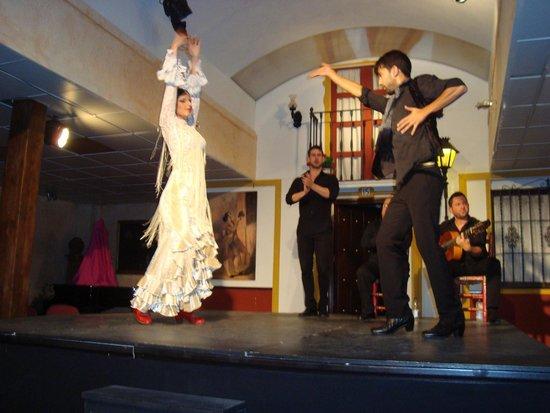 Sala Sentir Flamenco: Beautiful flamenco