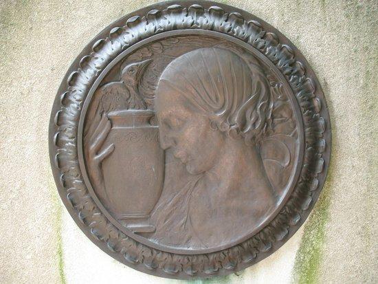 St. John's Episcopal Church : Elizabeth Arnold Poe