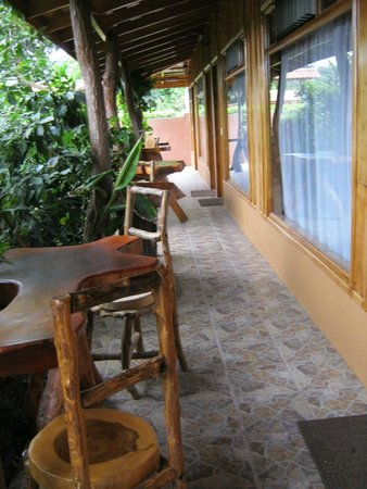 Monteverde Rustic Lodge: out front of rooms