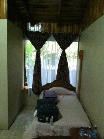 Monteverde Rustic Lodge : twin bed