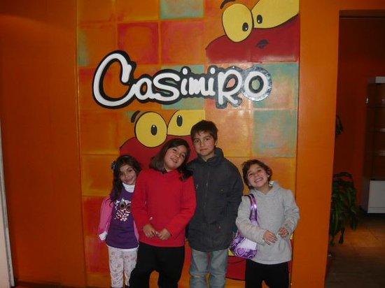 51615daa6a8ad Casimiro Vicente Lopez Restaurante  casimiro super felices.