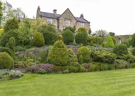 Ashcroft Guest House & garden