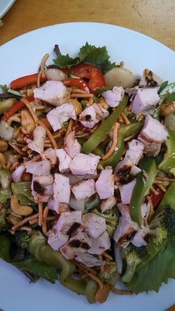 Summerland Beach Cafe: Bonzai Salad