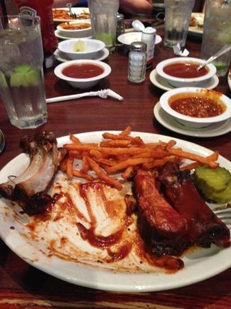 Smokehouse BBQ : falling-off-the-bone Baby Backs