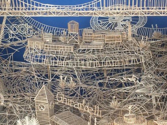 Exploratorium : toothpick structure