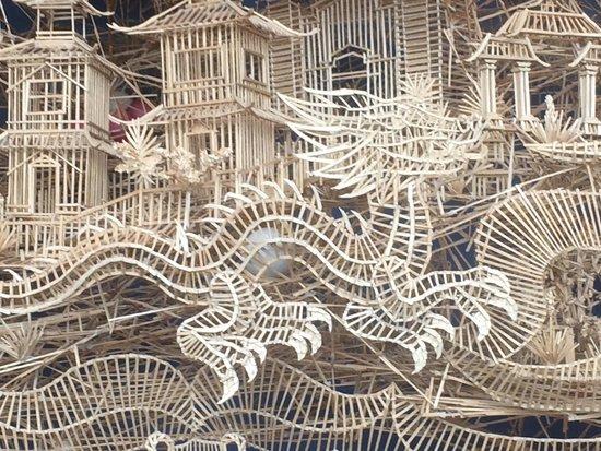 Exploratorium : toothpick ball track - Chinatown