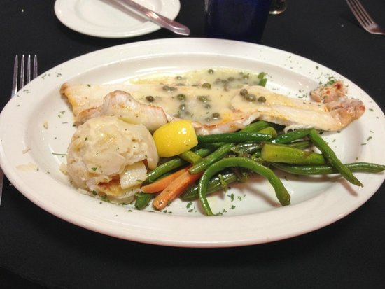 Lake View Hotel: White Fish meal