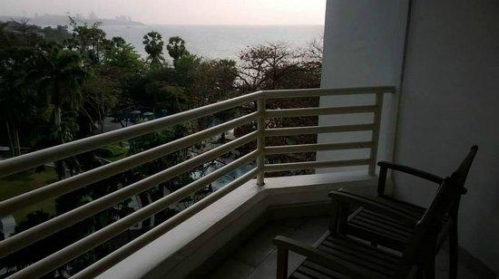 Pullman Pattaya Hotel G: Seaview