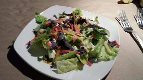 Snappers Sea Grill : House salad