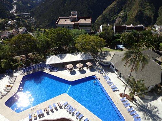 Pileta del hotel Quito