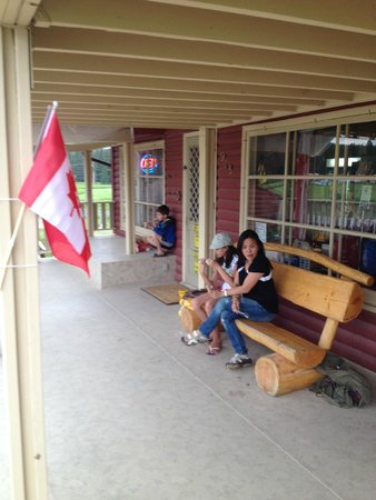 KOA Hinton/Jasper : Campground store/office