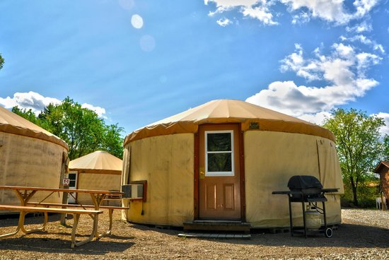 Nk'Mip Campground & RV Resort: Yurt