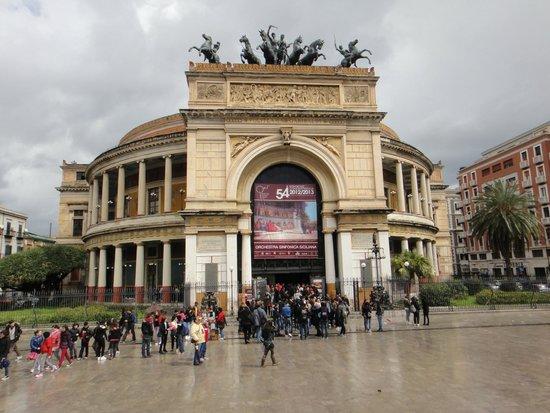 Teatro Politeama Garibaldi: Teatro Politeama-Garibaldi
