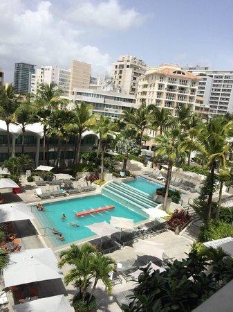 La Concha Renaissance San Juan Resort: urban pool