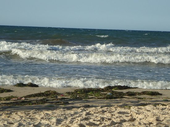 Nerolia Hotel & Spa: главное чистота и порядок на пляже