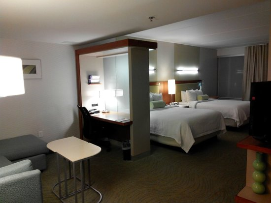 SpringHill Suites Philadelphia Valley Forge/King of Prussia: HUGE and comfortable guest room