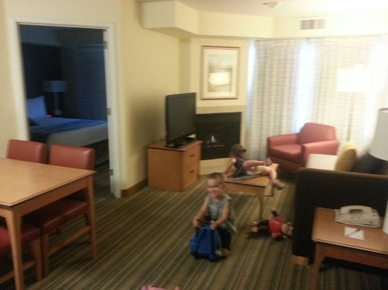 Residence Inn Scottsdale North : Large rooms