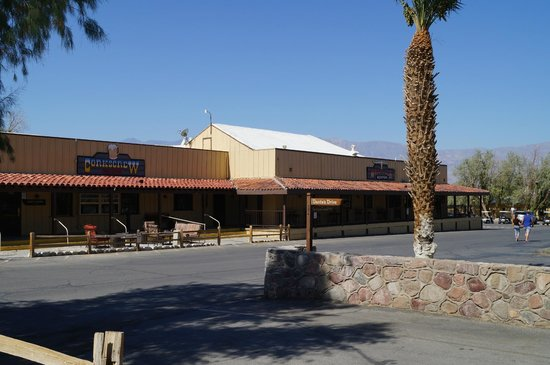 The Ranch at Death Valley : Bar / Restaurant area