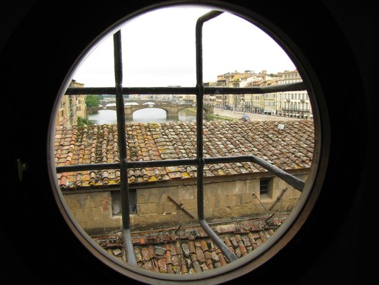 Florence Pass Tour Operator Day Tours: A view from Ponte Vecchio