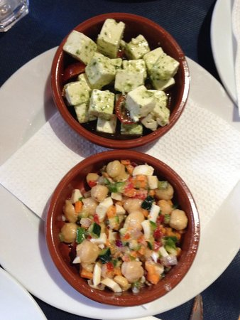 El Choquito : pesto feta cheese and garbanzos