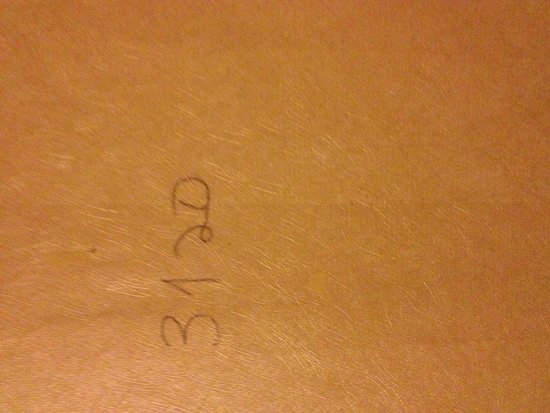 Radisson Hotel Harrisburg: Room number in pencil