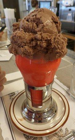 Goldenrod Restaurant: Cherry soda with chocolate ice cream
