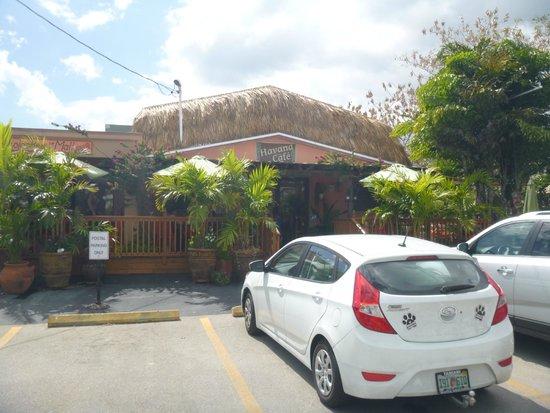 Havana Cafe: Outside