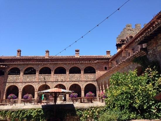Castello di Amorosa: view from the courtyard