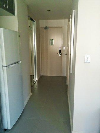Meriton Serviced Apartments Kent Street: entrance
