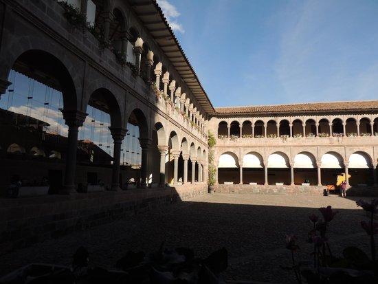 Convento de Santo Domingo: Patio