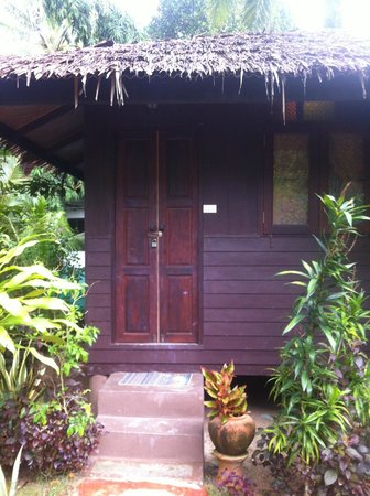 Longtail Beach Resort : family bungalow