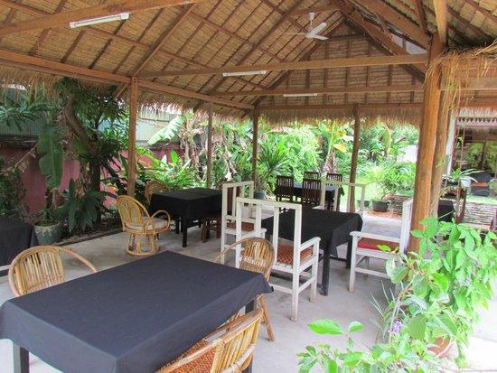 Green Village Angkor Hotel: Restaurant and Dining