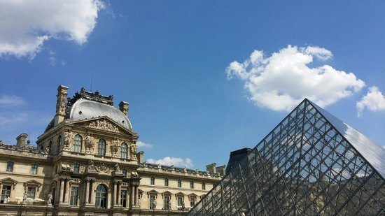 Musee du Louvre: 现代与古典的完美融合