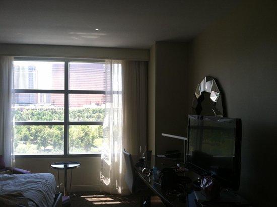 Renaissance Las Vegas Hotel : Our room